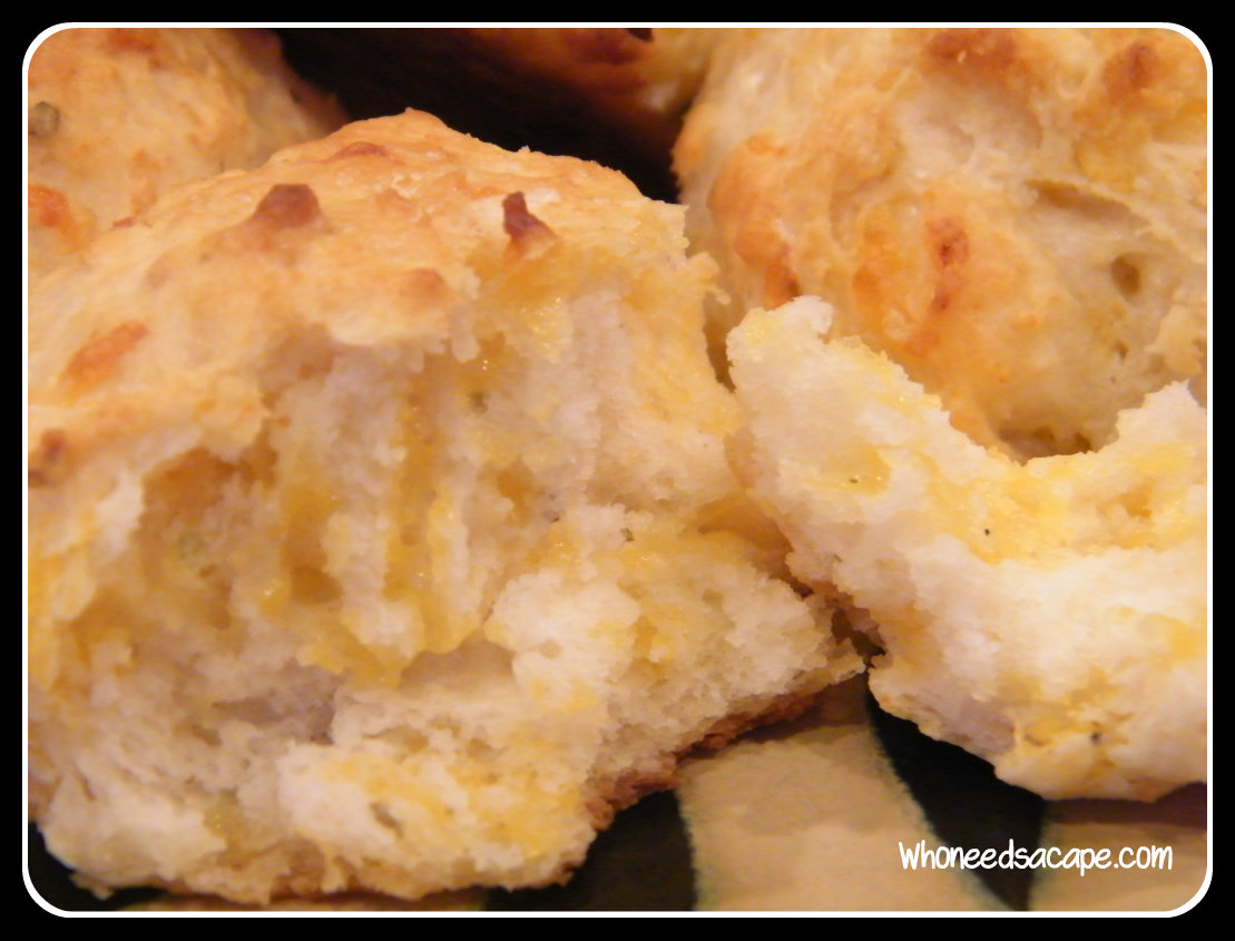 copycat} Red Lobster Cheddar Bay Biscuits - Who Needs A Cape?