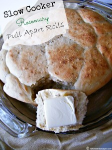Slow Cooker Rosemary Pull Apart Rolls| Who Needs A Cape?