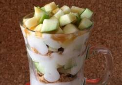 Very Vanilla Yoplait Light Caramel Apple Parfait | Who Needs A Cape?