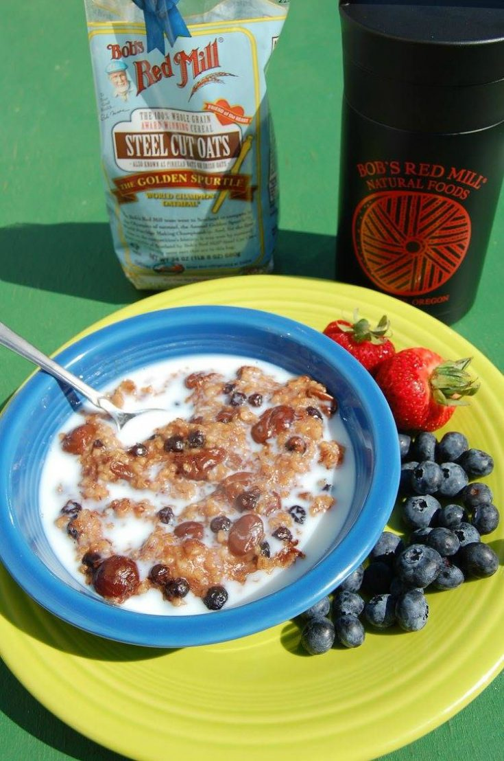 Slow Cooker Berries and Cream Oatmeal