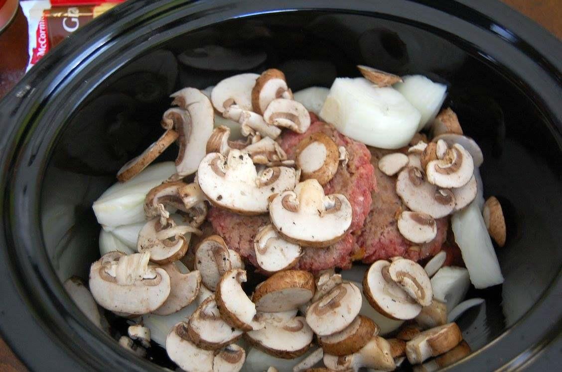 slow-cooker-salisbury-steak-5